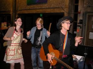 Jessie, Nora and Susan, Nora's Rockin' Mom