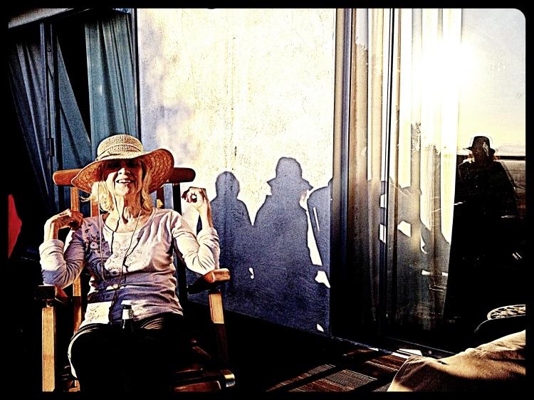 3 Sue has many shadows