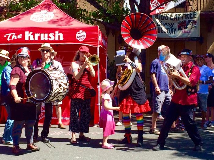 Hub-Bub-Band