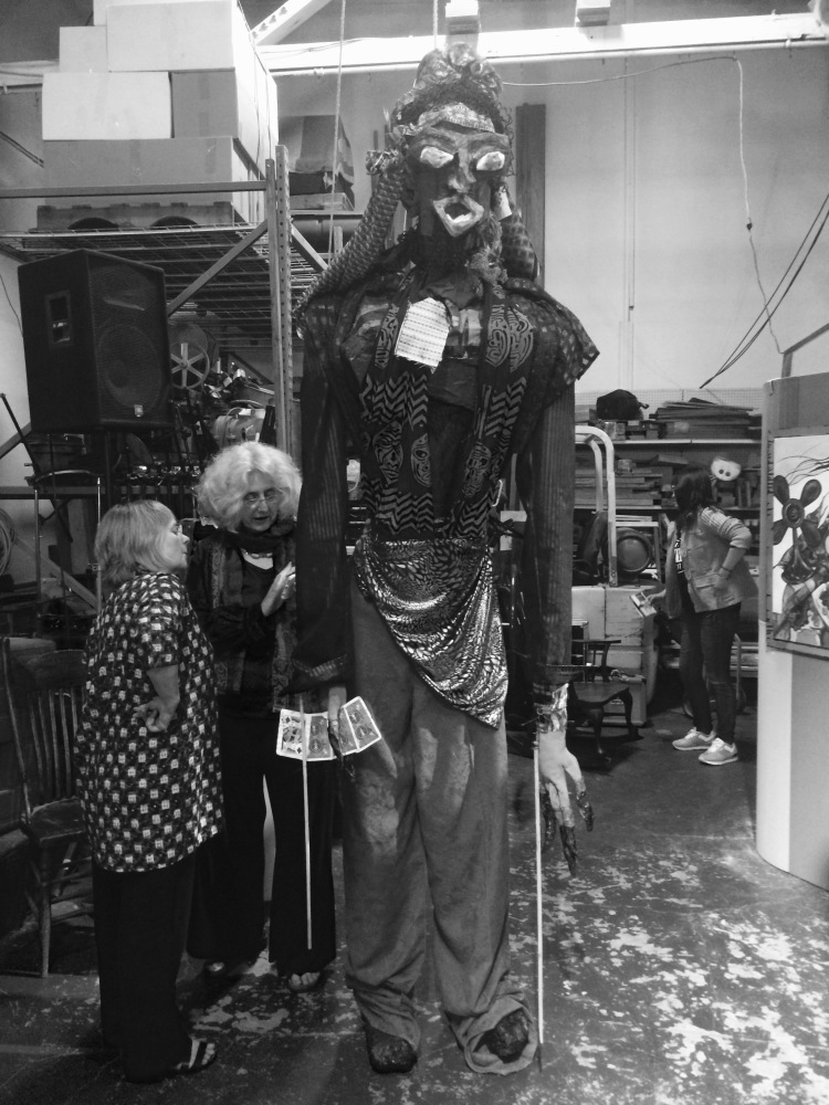 Maudi Grus Puppet