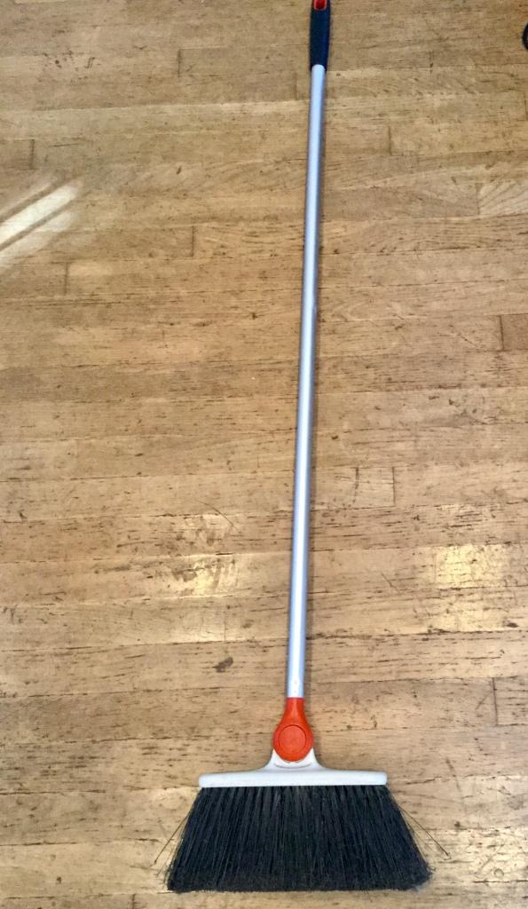 Broom 4