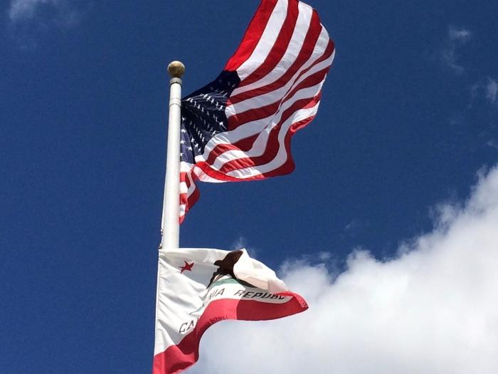 US an California flag